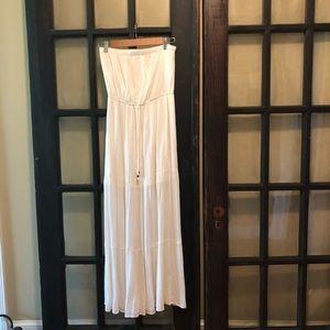 White lined strapless dress